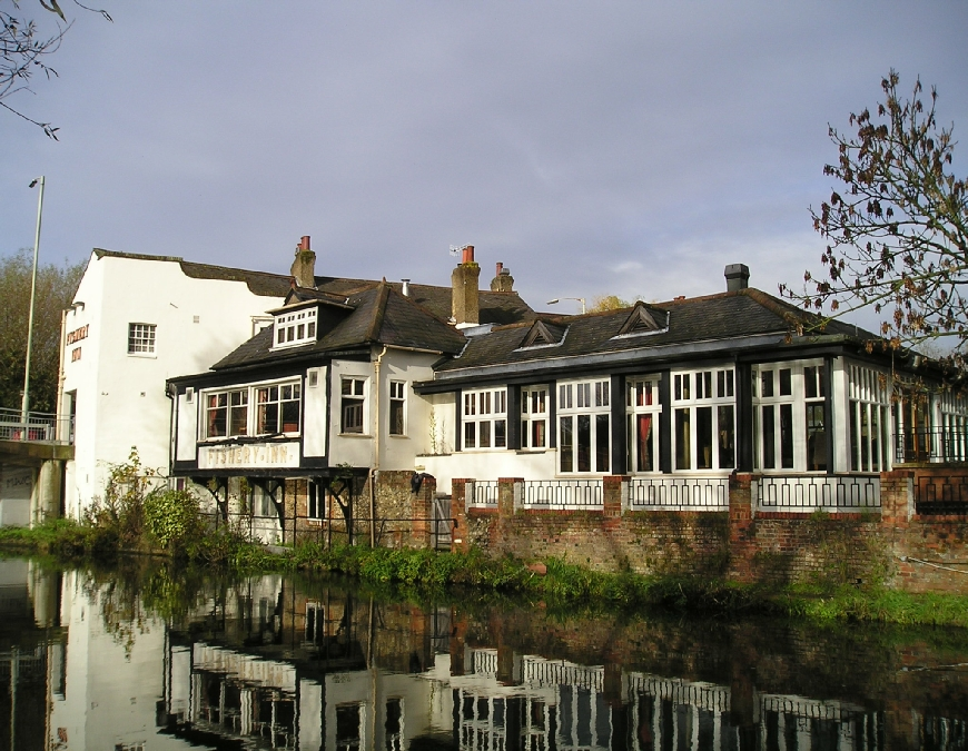 The Fishery Inn Boxmoor Hemel Hempstead Grand Union Canal Photo