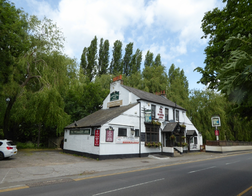 The Pipemakers Arms Uxbridge Grand Union Canal Photo